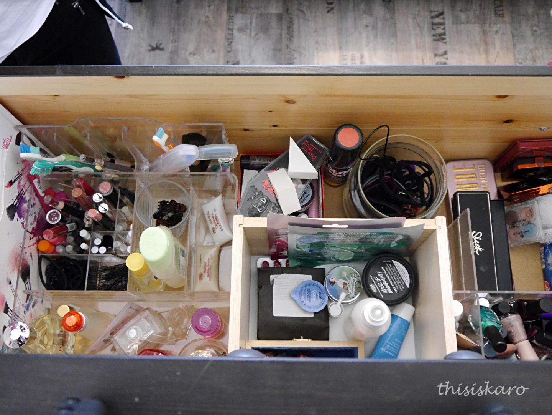 Make-up Declutter und Organisation